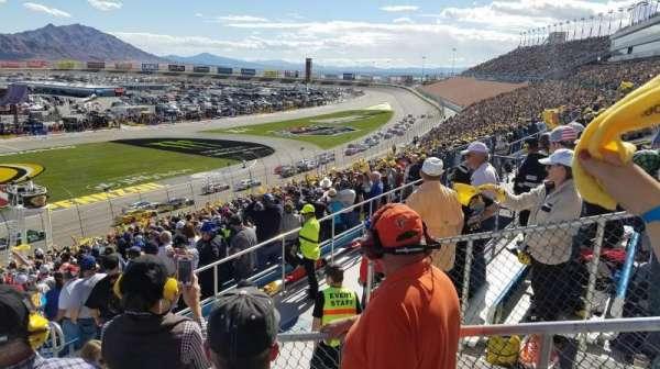 Las Vegas Motor Speedway, sección: 2M, fila: 37, asiento: 18