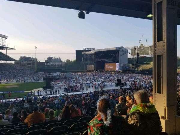Wrigley Field, sección: 225, fila: 9, asiento: 19