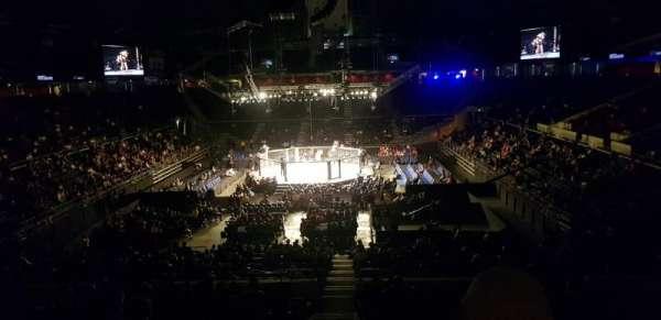 Singapore Indoor Stadium, sección: 130, fila: 10, asiento: 4
