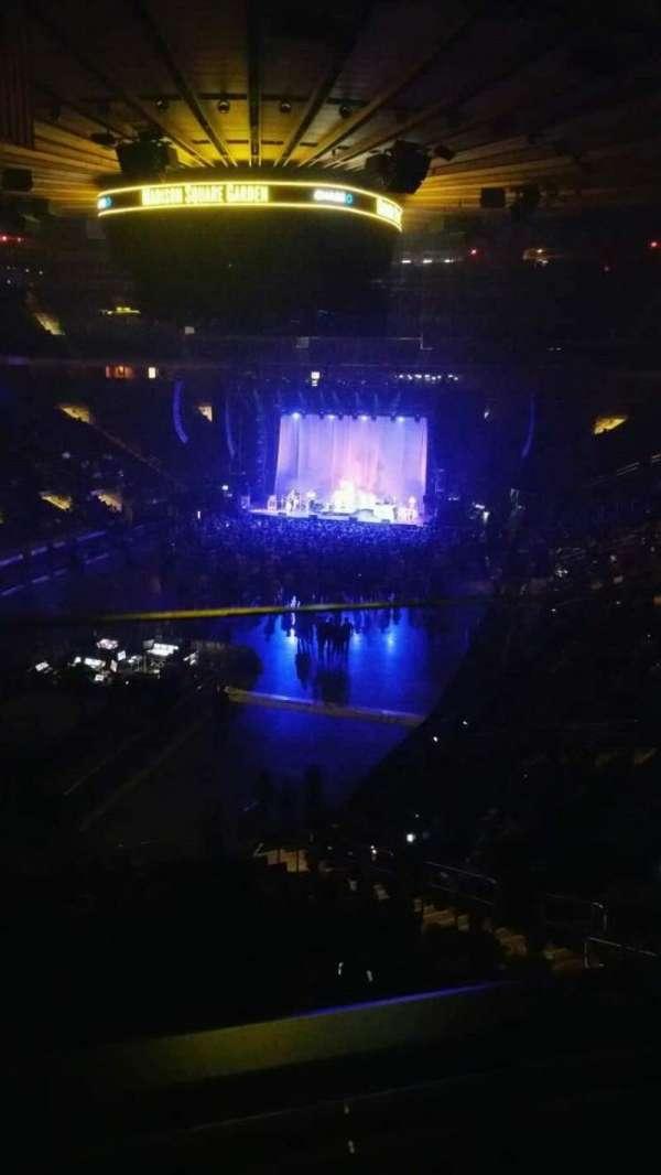 Madison Square Garden, sección: 206, fila: 1, asiento: 2