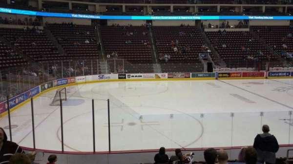 Giant Center, sección: 105, fila: L, asiento: 9