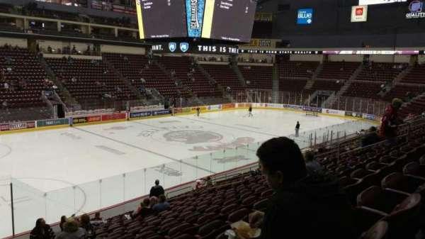 Giant Center, sección: 105, fila: S, asiento: 19