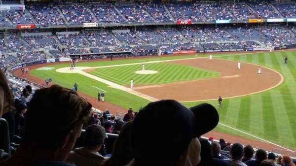 Yankee Stadium, sección: 210, fila: 22, asiento: 18