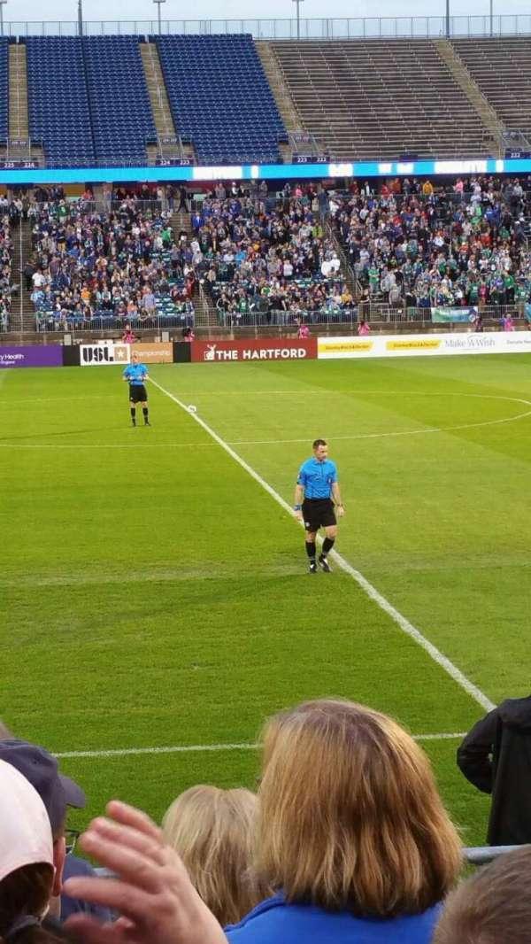 Rentschler Field, sección: 100, fila: 6, asiento: 16