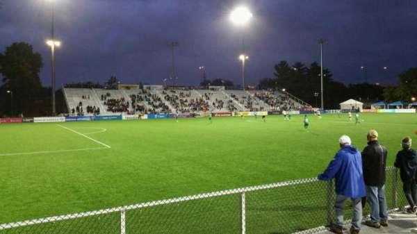 Dillon Stadium, sección: 2, fila: C, asiento: 14