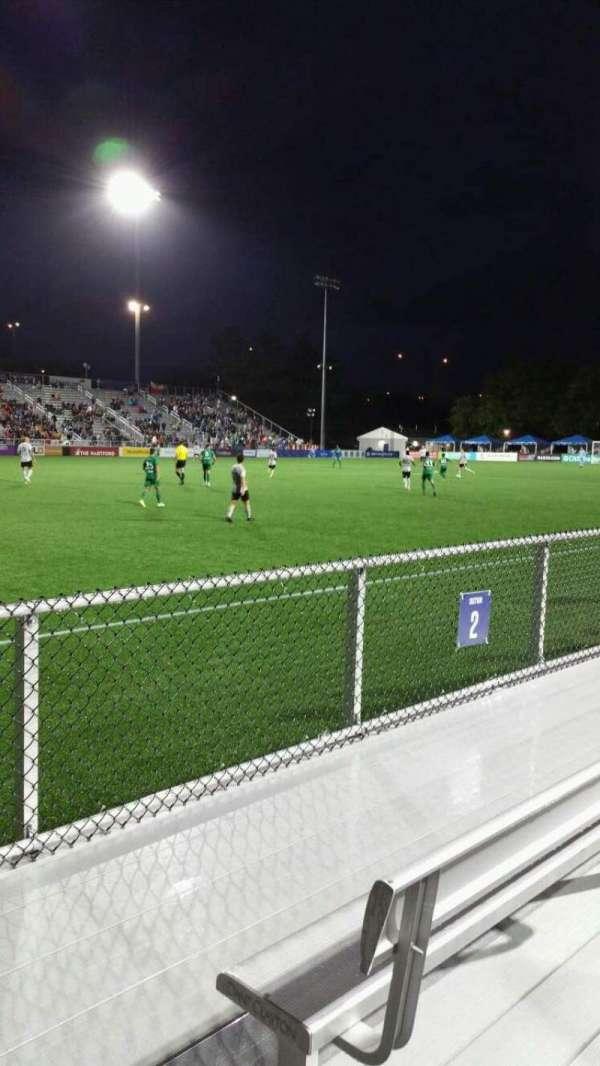 Dillon Stadium, sección: 2, fila: A, asiento: 22
