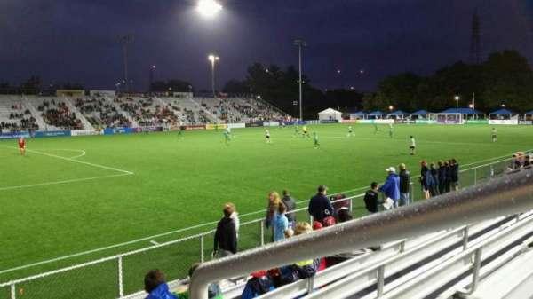 Dillon Stadium, sección: 1, fila: G, asiento: 1