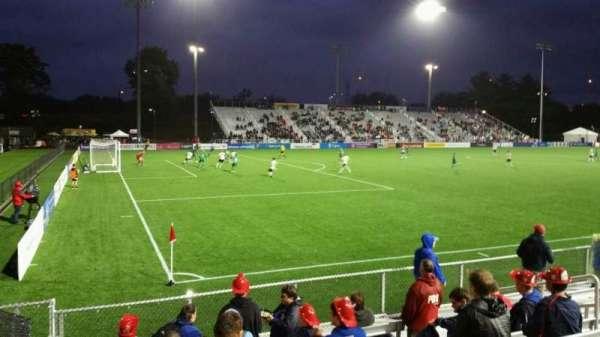 Dillon Stadium, sección: 1, fila: G, asiento: 12