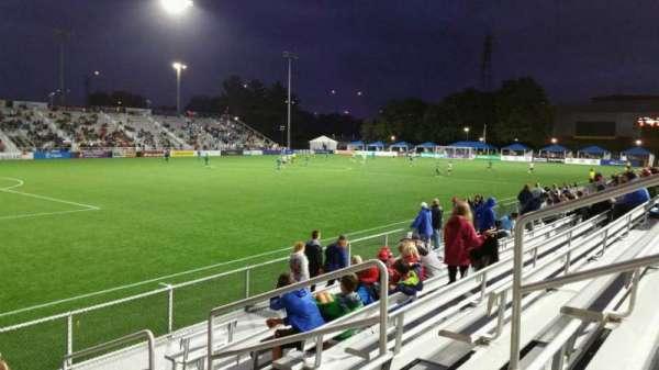 Dillon Stadium, sección: 1, fila: G, asiento: 6