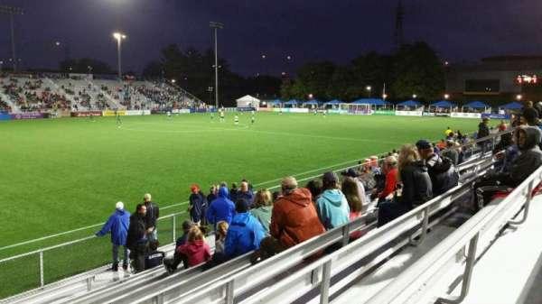 Dillon Stadium, sección: 2, fila: I, asiento: 17