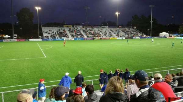 Dillon Stadium, sección: 2, fila: I, asiento: 9