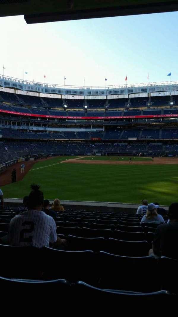 Yankee Stadium, sección: 105, fila: 12, asiento: 13