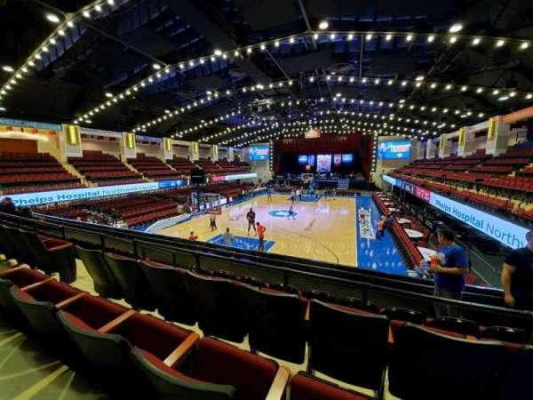 Westchester County Center, sección: 39CTR, fila: D, asiento: 44