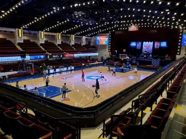 Westchester County Center, sección: 49CTR, fila: E, asiento: 60