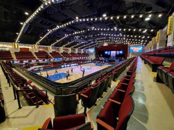 Westchester County Center, sección: 60RGT, fila: D, asiento: 69