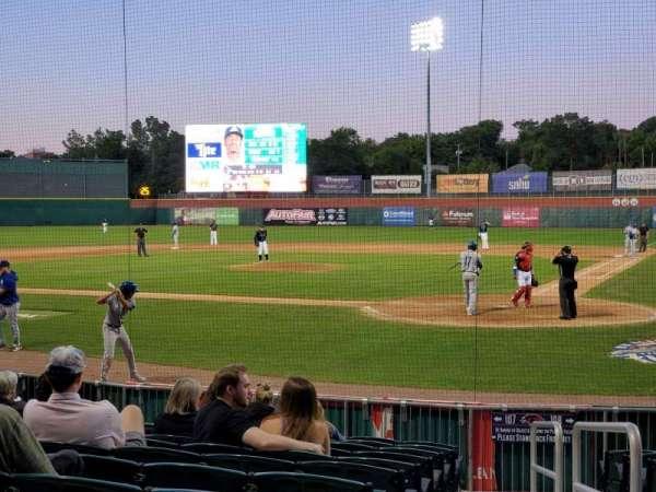 Northeast Delta Dental Stadium, sección: 107, fila: M, asiento: 1