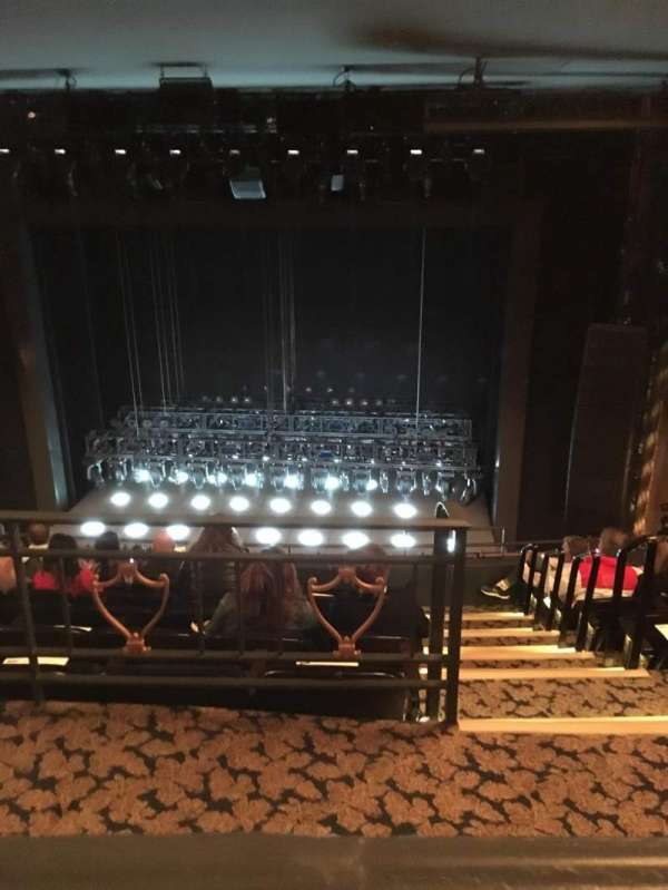Lunt-Fontanne Theatre, sección: Rear Mezzanine RC, fila: A, asiento: 112