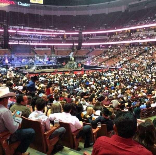 Honda Center, sección: 204, fila: M, asiento: 2
