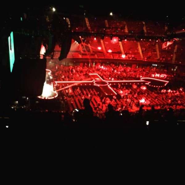 The Forum, sección: 225, fila: 18, asiento: 7