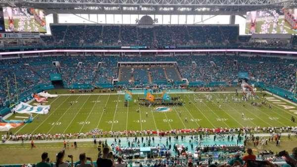 Hard Rock Stadium, sección: 319, fila: 15, asiento: 13