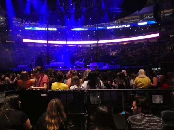 Madison Square Garden, sección: Floor B, fila: 4, asiento: 5
