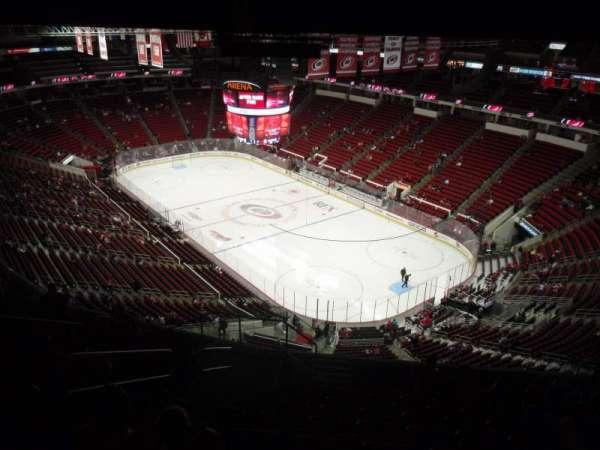 PNC Arena, sección: 318, fila: L, asiento: 12