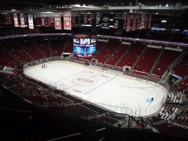 PNC Arena, sección: 320, fila: H, asiento: 14