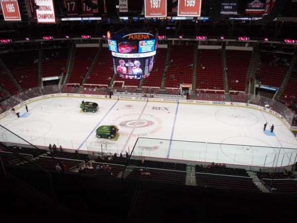 PNC Arena, sección: 323, fila: E, asiento: 19