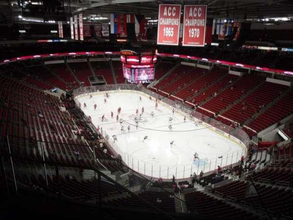 PNC Arena, sección: 335, fila: E, asiento: 12