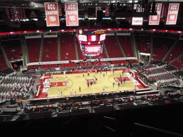 PNC Arena, sección: 305, fila: H, asiento: 2