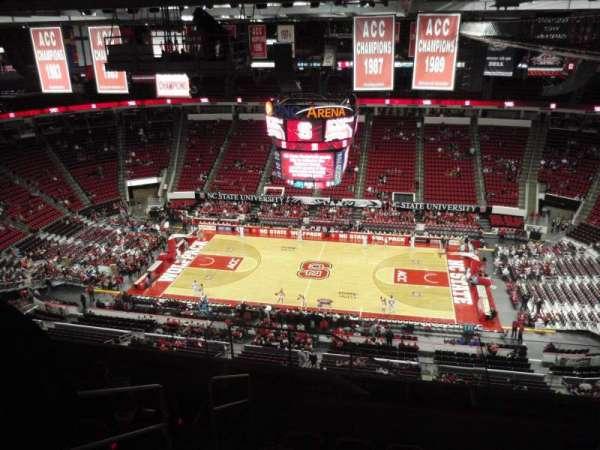 PNC Arena, sección: 323, fila: J, asiento: 26