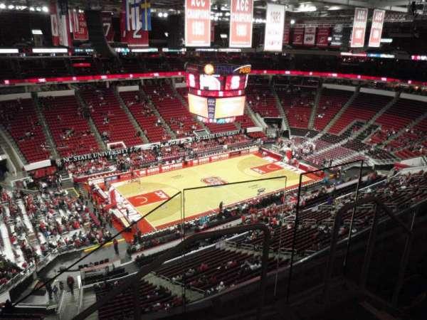 PNC Arena, sección: 327, fila: D, asiento: 2
