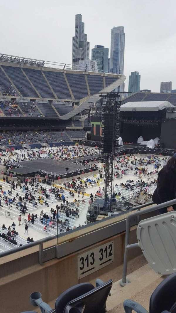 Soldier Field, sección: 313, fila: 3, asiento: 14