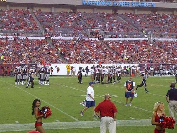 Raymond James Stadium, sección: 107, fila: D, asiento: 8