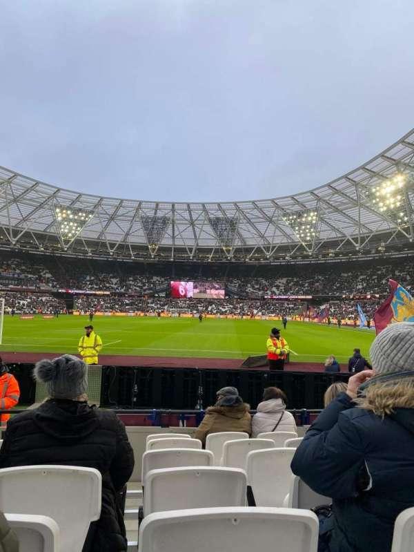 London Stadium, sección: 125, fila: 7, asiento: 495