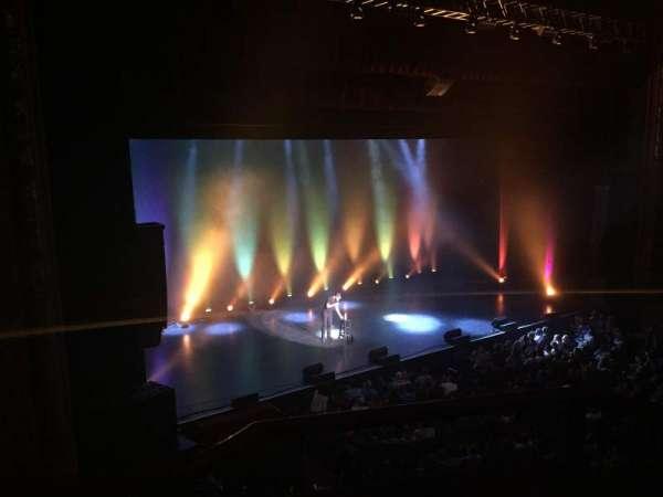 Chicago Theatre, sección: LOGE2L, fila: BB, asiento: 209-215