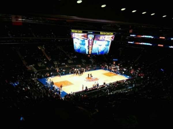 Madison Square Garden, sección: 208, fila: 13, asiento: 11