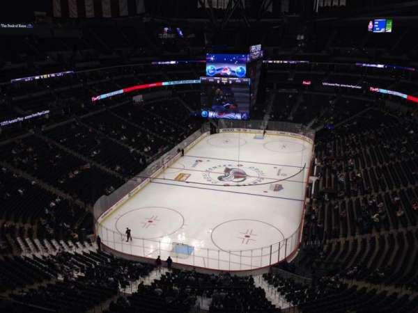 Pepsi Center, sección: 320, fila: 10, asiento: 1