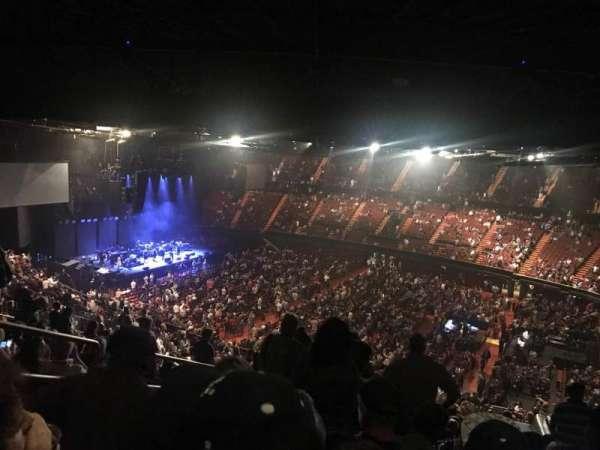 The Forum, sección: 230, fila: 18, asiento: 5