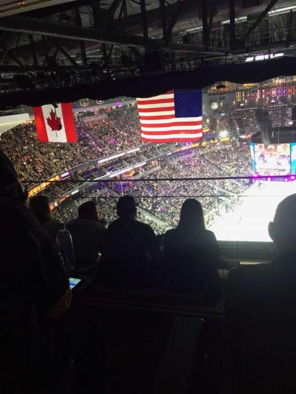 T-Mobile Arena, sección: Hyde Tables, fila: 14, asiento: 1-4