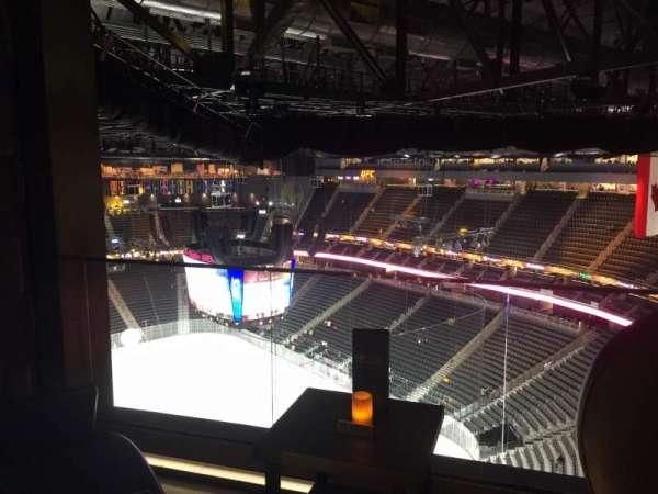 T-Mobile Arena, sección: Hyde Tables