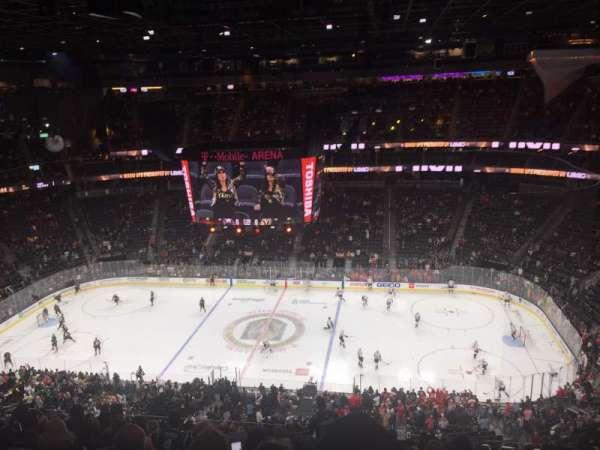 T-Mobile Arena, sección: 221, fila: M