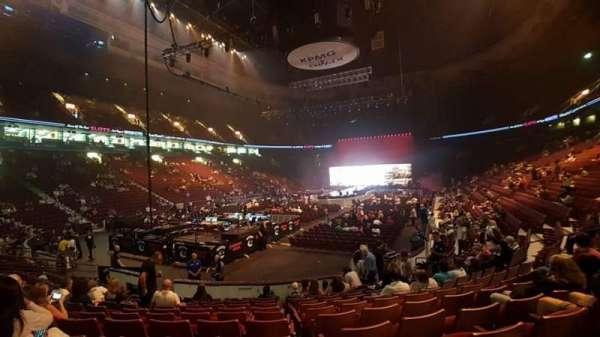 Rogers Arena, sección: 111, fila: 11, asiento: 16