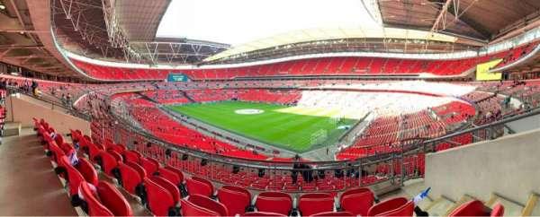Wembley Stadium, sección: 220, fila: 11, asiento: 160