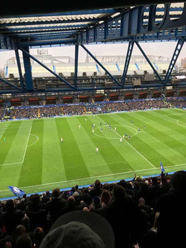 Stamford Bridge, sección: West Stand Upper, fila: 19, asiento: 168