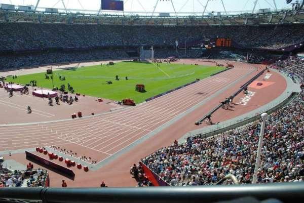 London Stadium, sección: 256, fila: 43, asiento: 662