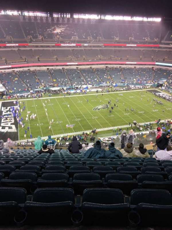 Lincoln Financial Field, sección: 242, fila: 20, asiento: 10