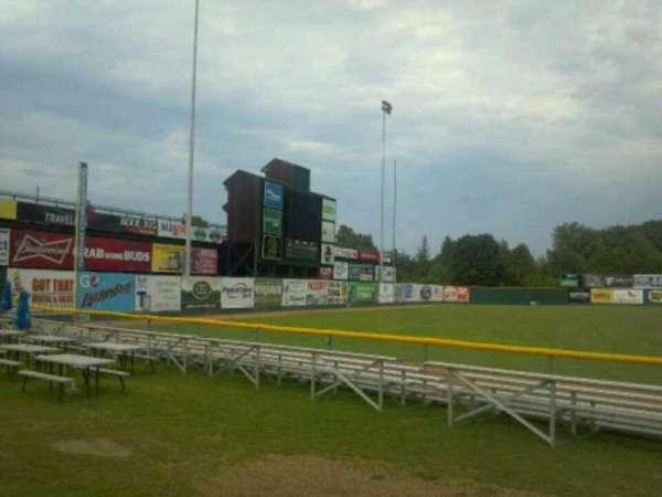 Centennial Field, sección: 3rd base fence