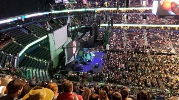 Amalie Arena, sección: 318, fila: L, asiento: 5