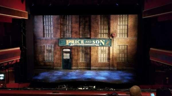 Adelphi Theatre, sección: Dress Circle, fila: D, asiento: 18